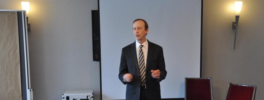 Dr. John Butler teaches Transforming Therapy Hypnose Koeln 2017